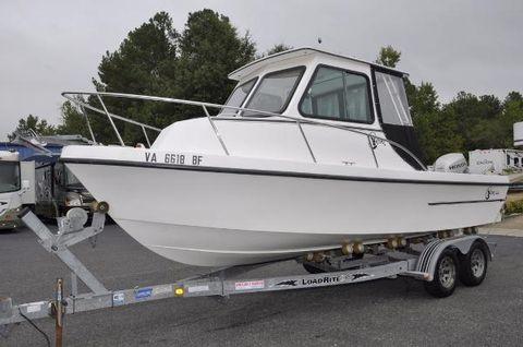 2005 C-hawk Boats 222 Sport Cabin