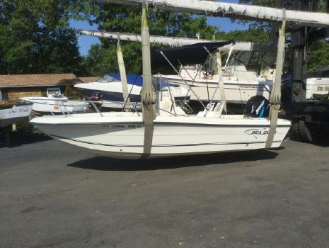 2005 SEA BOSS 180 Center Console