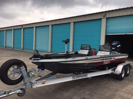 1993 Champion Boats 204 Dcx