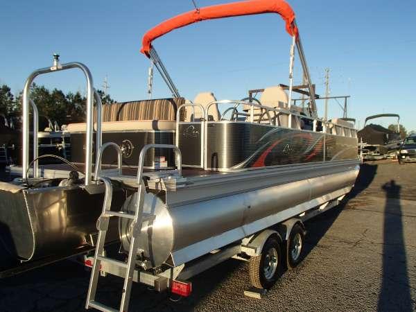 2016 Apex Marine LS-824-Lanai-Bar Tri Toon