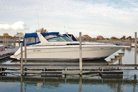 1992 Sea Ray 370 Sundancer 1992 Sea Ray 370 Express Starboard Side for Sale by Great Lakes Boats & Brokerage 440 221 9001