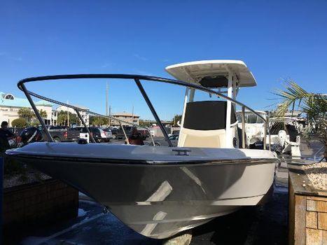2017 Boston Whaler 240 Dauntless