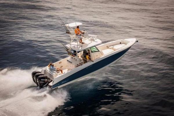 2017 Boston Whaler 350 Outrage