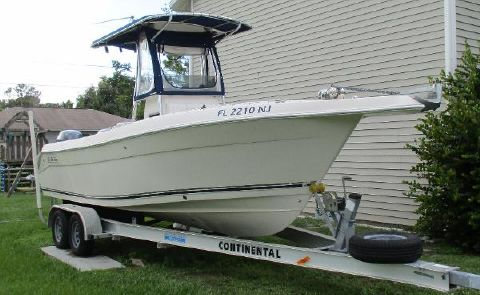 2007 Cobia Boats 254 Center Console