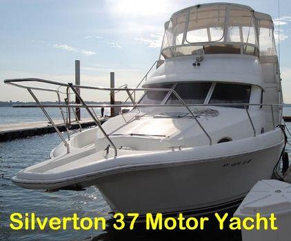 1996 Silverton 372 Motor Yacht