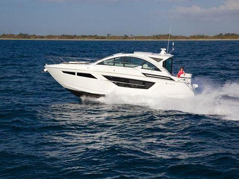 2018 Cruisers Yachts 50 Cantius