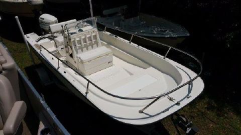 1987 Wahoo 18.5 Center Console
