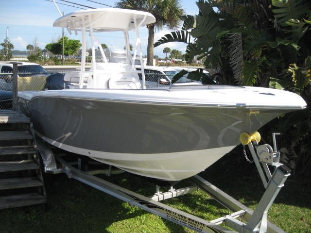2015 TIDEWATER BOATS 230CC Adventure