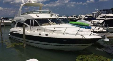 2003 Cruisers Yachts 5000 Sedan Sport