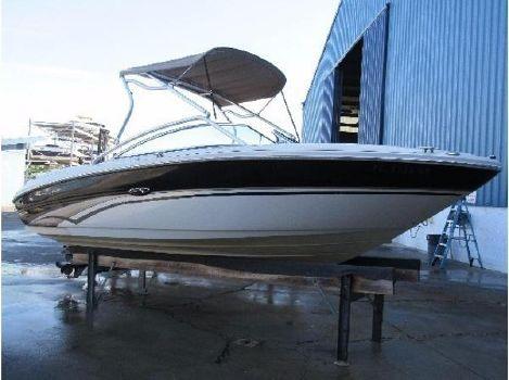 2002 Sea Ray 220 Sundeck