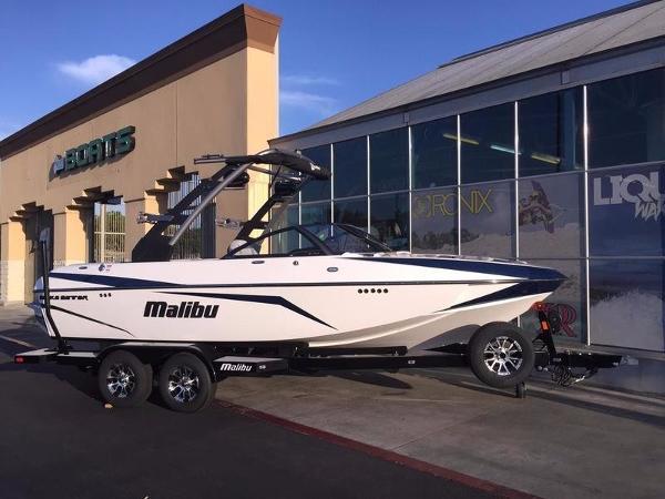 2017 Malibu 21 VLX