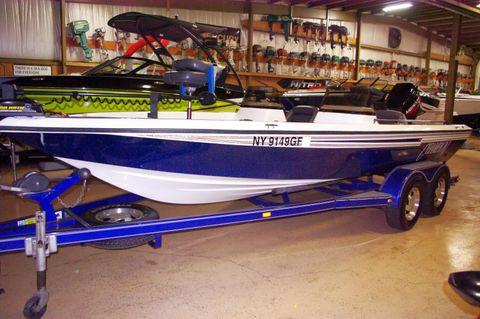 1998 Champion Boats 20' Bass Boat