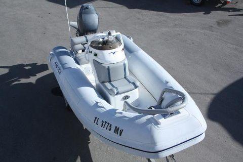 2003 Nautica Deluxe