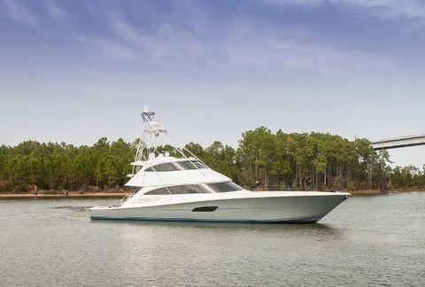 2016 Viking 92 Enclosed Bridge Convertible Starboard Profile