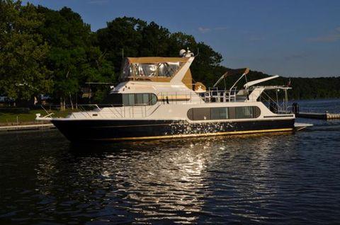 2006 Harbor Master 520 Coastal Profile