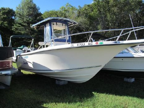 2005 Key West 225 Center Console