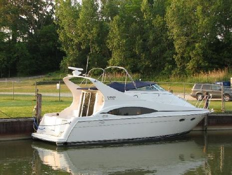 1998 Carver 350 Mariner 1997 Carver 350 Mariner For Sale by Great Lakes Boats & Brokerage 440 221 9001
