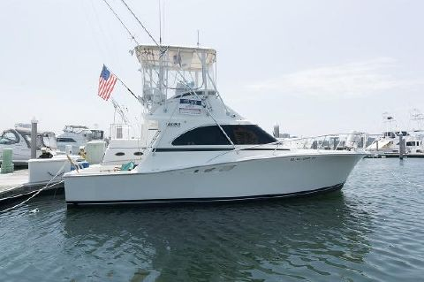 1993 Luhrs 32 Convertible Profile
