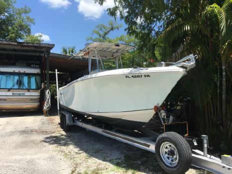 2010 Sailfish 2660 CC