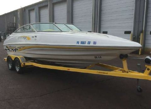 2003 Caravelle Boats 232 Cuddy