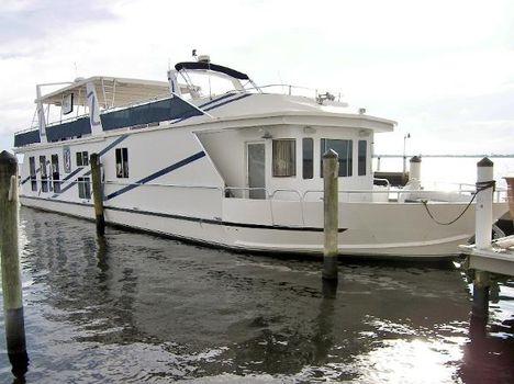 2008 Fantasy 85' Coastal Yacht