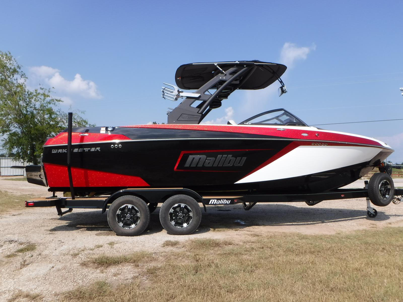 2018 Malibu Boats LLC 23 LSV