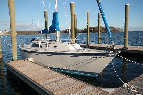 1984 O'Day O'day 30 Starboard Bow