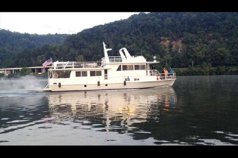 1972 KELLY River Yacht