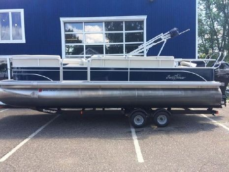 2014 Sunchaser Classic Fish 8522 Cruise-N-Fish