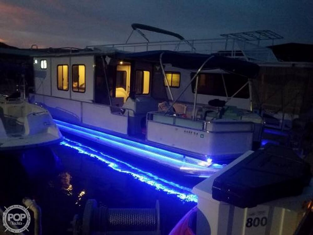 Check out this 1995 SUN TRACKER Party Cruiser 32 on Boattrader com