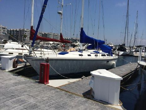 1992 Catalina Sloop AT DOCK