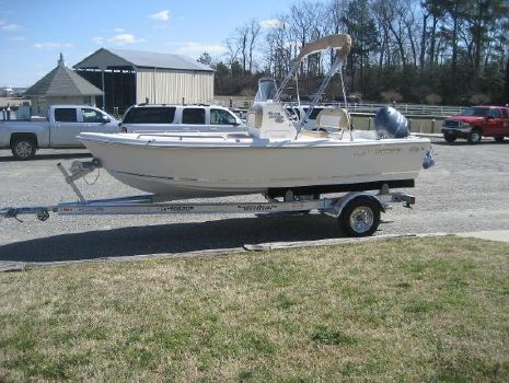 2019 KEY WEST 1720 Center Console
