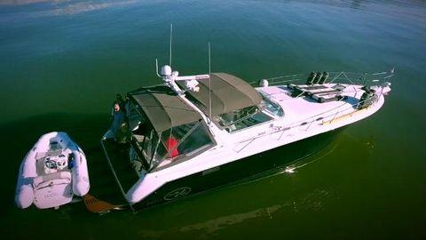 1995 Sea Ray SUNDANCER 52Ft Freedom  Lift