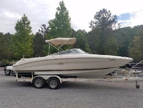 2001 Sea Ray 230 Bow Rider