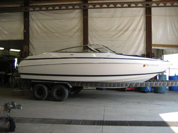 Check out this 1998 CHRIS - CRAFT 210 Bowrider SS on Boattrader com