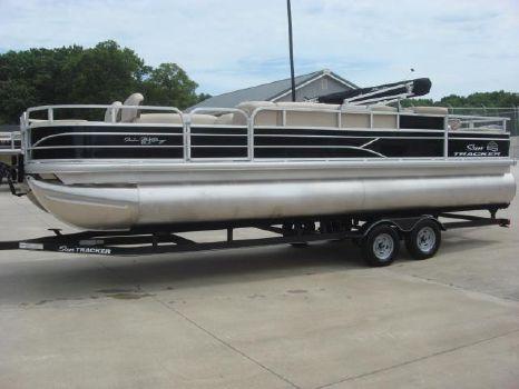 2017 Sun Tracker fishing barge 24