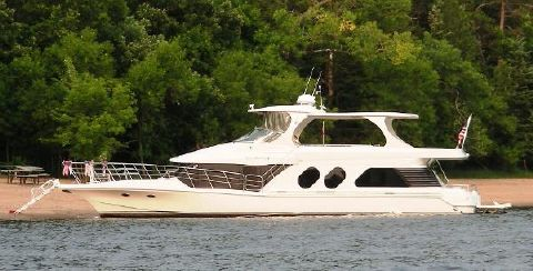 2000 Bluewater Yachts 5800 Port Side @ Beach
