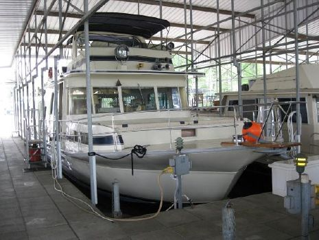 1977 PLUCKEBAUM MODEL 65 COASTAL YACHT HOUSEBOAT