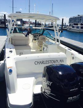 2016 Boston Whaler Vantage 270