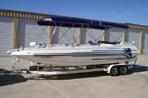 1998 Carrera Boats 257 Party Effect X