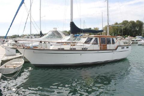 1986 Nauticat 36 Port Side At Dock