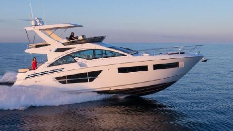 2017 Cruisers Yachts 60 Flybridge