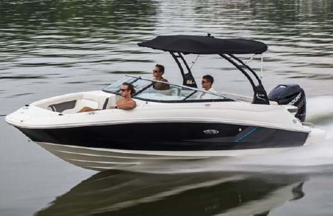 2014 Sea Ray 220 Sundeck Outboard Manufacturer Provided Image