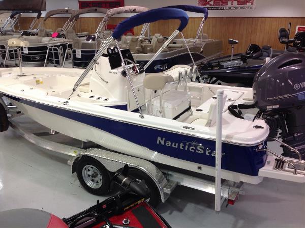 2017 Nautic Star 215 XTS