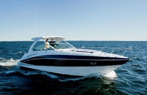 2013 Cruisers Yachts 380 EXPRESS