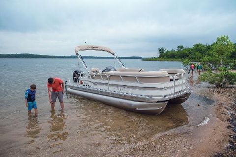 2015 Sun Tracker Party Barge 22 DLX