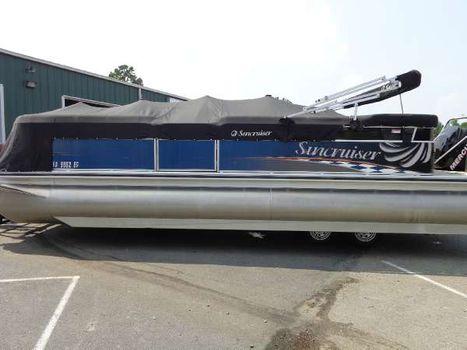 2011 Lowe LS250 Tritoon