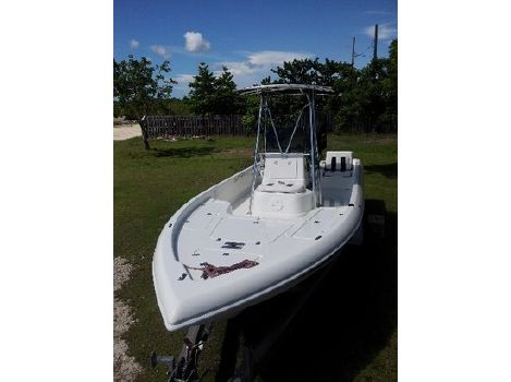 2004 Champion Boats 24 Bay Champ
