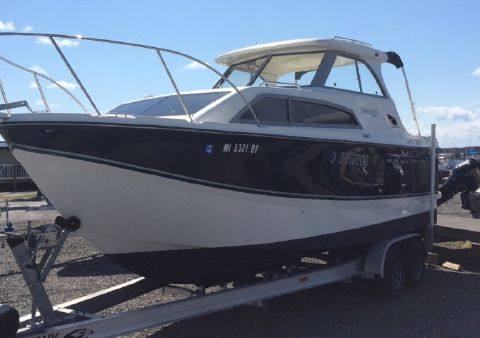2010 Bayliner 266 Discovery