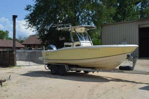 2005 Scout Boats 235 Sportfish